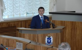 The governor of the Yamalo-Nenets Autonomous Area submitted the report on results of activity of the regional Government for 2013